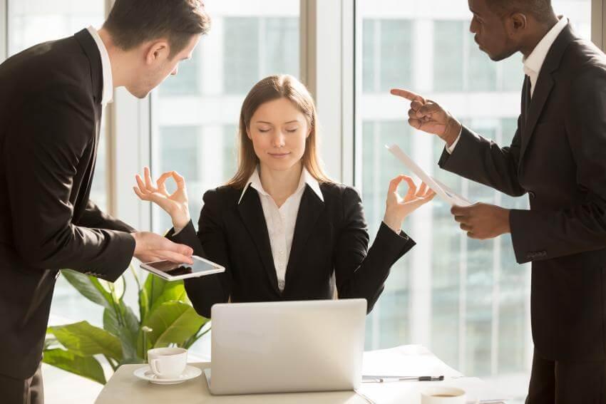 Konfliktmanagement a partnerské riešenie konfliktov  Cieľovou skupinou tréningového programu Konfliktmanagement a part...